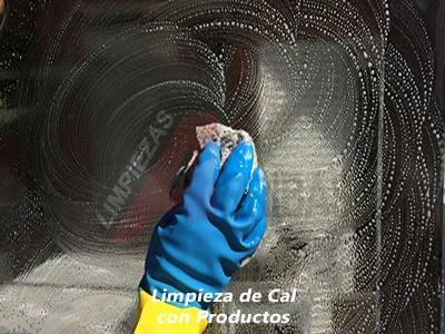 Limpieza de Cal en Cristales con Productos Químicos