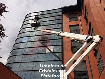 Limpieza de Cristales con Plataforma en Madrid